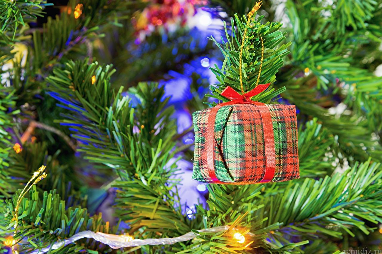 Чем и как украсить новогоднюю ёлку